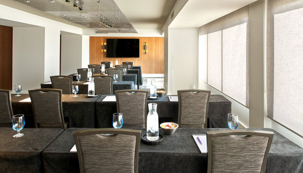 kimpton-beverly-hills-california-hotel-palomar-los-angeles-meeting-space-business-la-film-room-classroom-setup